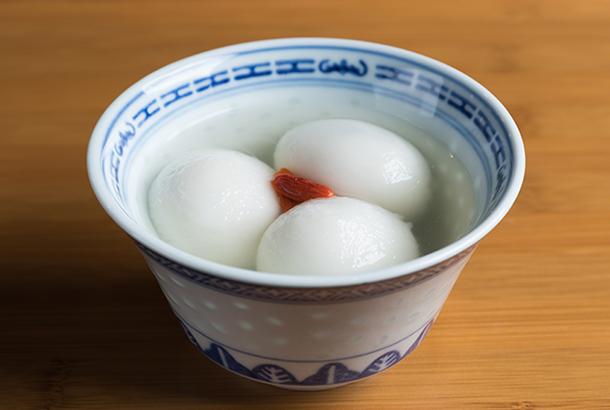 芝麻湯圓(黒ゴマあん入り団子)